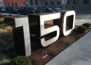 150 second street integrates mobile tech into its sign and wayfinding program